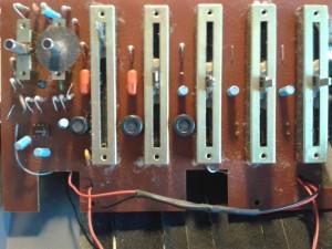 Ibanez-NO95-Renometer-Guts2