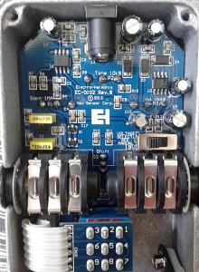 EHX-Glove-guts